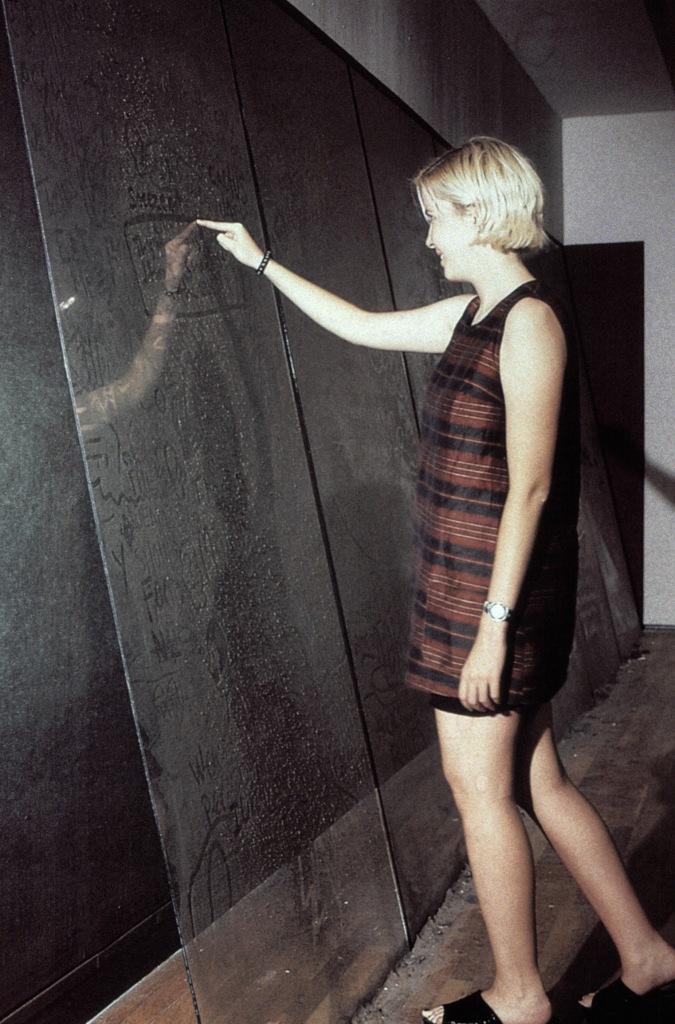 Dust Board, Institute of Contemporary Art / Boston 1997