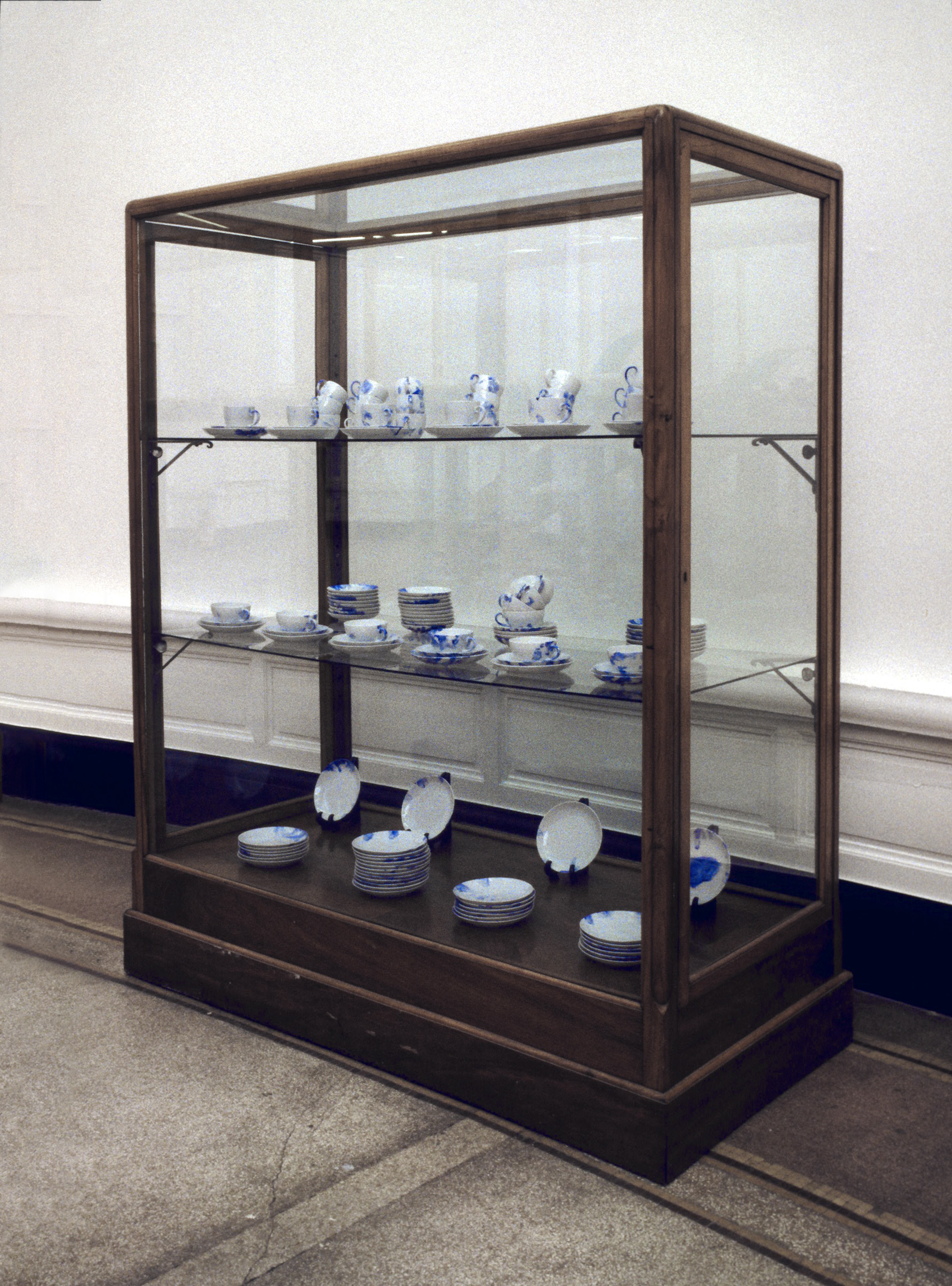 Porcelain Painting 1994, Gent, Extra Muros (This is the show and the show Is many things)